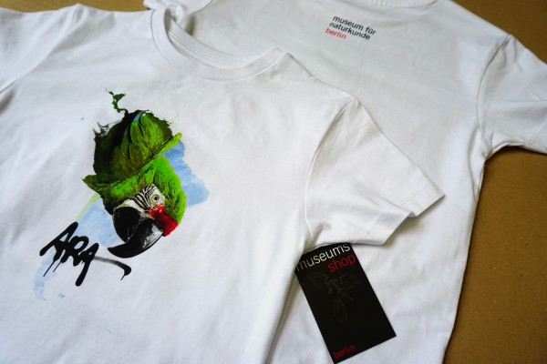 T-Shirt für Kinder mit Motiv Ara zur Sonderausstellung Ara